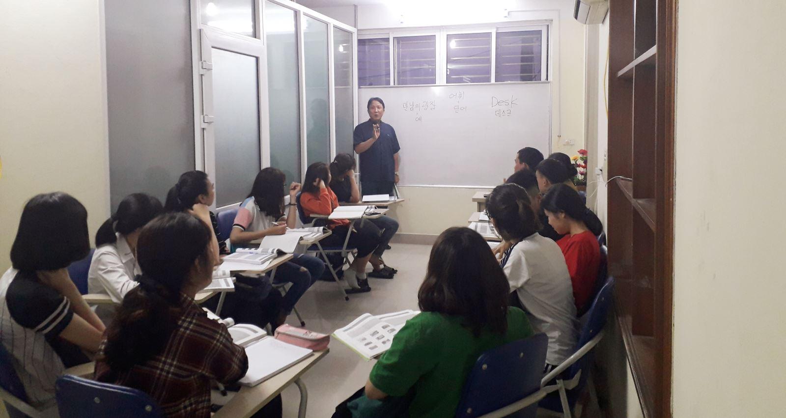 Học viên hoc tieng Han tai An Lao Hai Phong