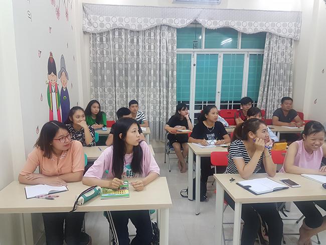 Lớp học tiếng Hàn Quốc